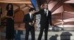 Церемония «Эмми 2016»: лучшие фото и шутки  - Изображение 31