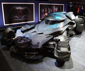 В Rocket League появится бэтмобиль из «Бэтмена против Супермена»