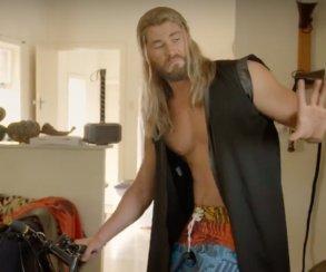 Тор помогает платить за квартиру в ролике с Blu-ray «Доктора Стрэнджа»