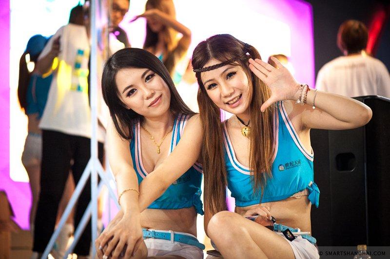 Лучшие девушки самой большой азиатской выставки цифровых развлечений. - Изображение 11