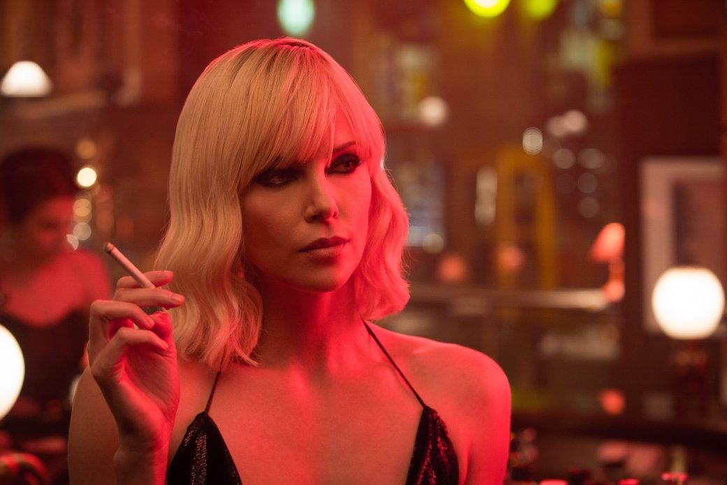 Рецензия на «Взрывную блондинку» с Шарлиз Терон. - Изображение 1