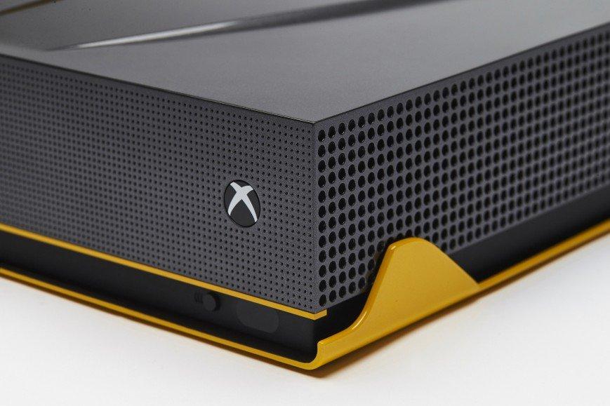 Microsoft показала еще два «автомобильных» Xbox One S - Изображение 2