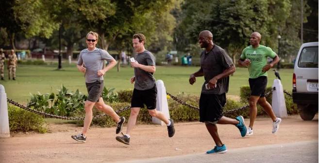 Марк Цукерберг советует ненадолго оставить Facebook и пробежаться - Изображение 1