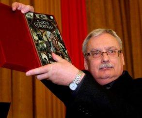 Анджей Сапковский занялся новой книгой по «Ведьмаку». Продолжит «Владычицу озера»?