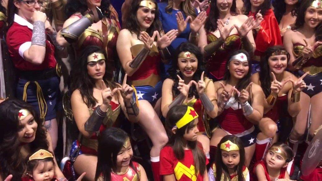 Как девушки изразных стран мира косплеят Чудо-женщину   Канобу - Изображение 1