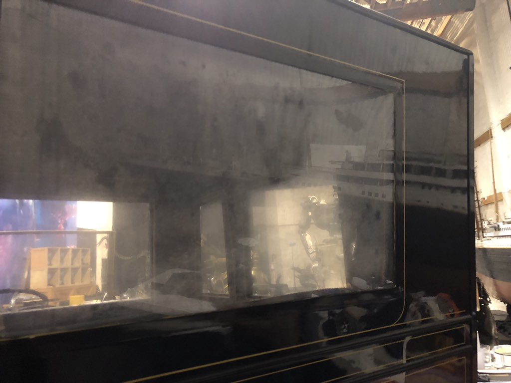 Отпечаток ладони на стекле авто из любовной сцены «Титаника» остался даже спустя больше 20 лет!   Канобу - Изображение 2