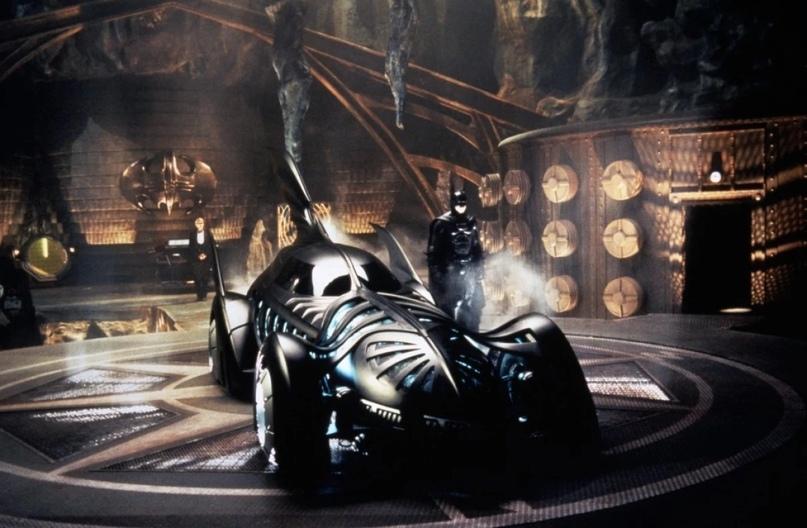 Как менялся Бэтмобиль вкомиксахDC? Вспоминаем вчесть юбилея Темного рыцаря | Канобу - Изображение 0