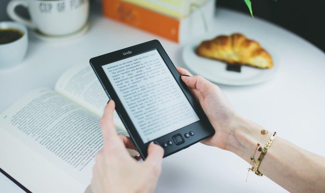 Достойных книг отехнологиях нетак ужимного, нолюбители инноваций ичтения обязательно найдут для себя крутые новинки. Ачтобы выбирать стало проще мысобрали топ лучших, нанаш взгляд, книг про технологии. Здесь есть все: вред ипольза гаджетов, роботы, искусственный интеллект, обреченность современного технологичного общества, люди вближайшем будущем, минусы иплюсы научного прогресса идругие важные темы. Ачто изэтого читаливы? Что порекомендуете неизсписка ипочему?