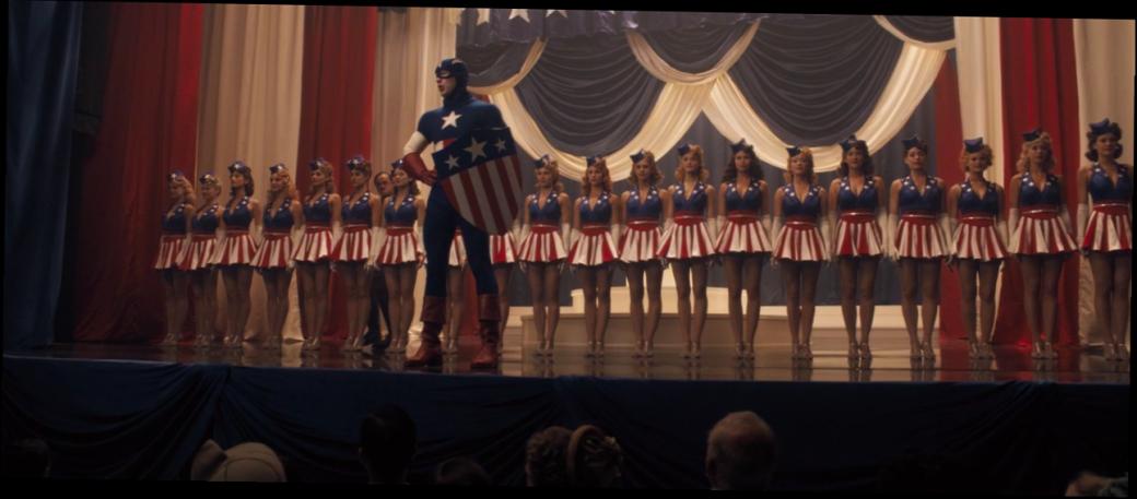 Отмаски Роршаха доБэт-сосков: самые крутые ибезумные костюмы супергероев вистории кино | Канобу - Изображение 8