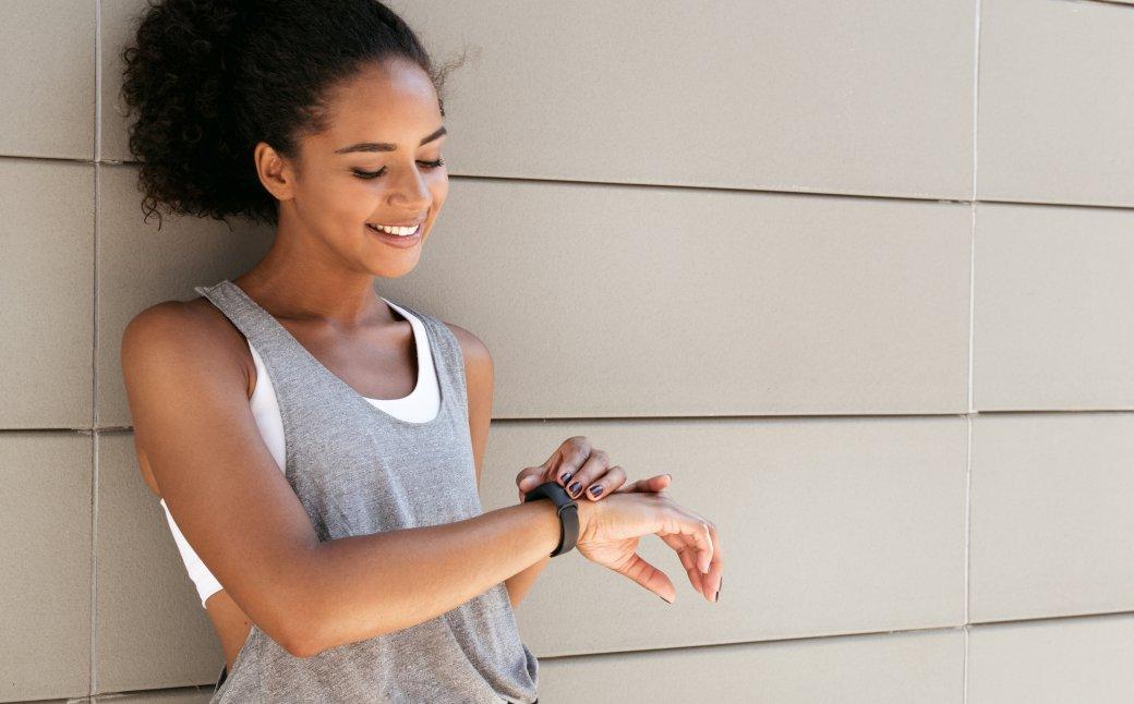 Лучшие фитнес-браслеты для спорта - топ-5 трекеров с точным измерением пульса и давления | Канобу