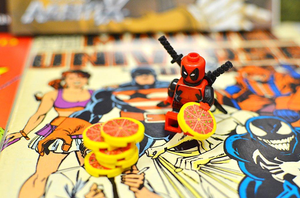 Топ-модель по-русски: «Канобу» устраивает фотосессию LEGO-супергероям | Канобу - Изображение 11