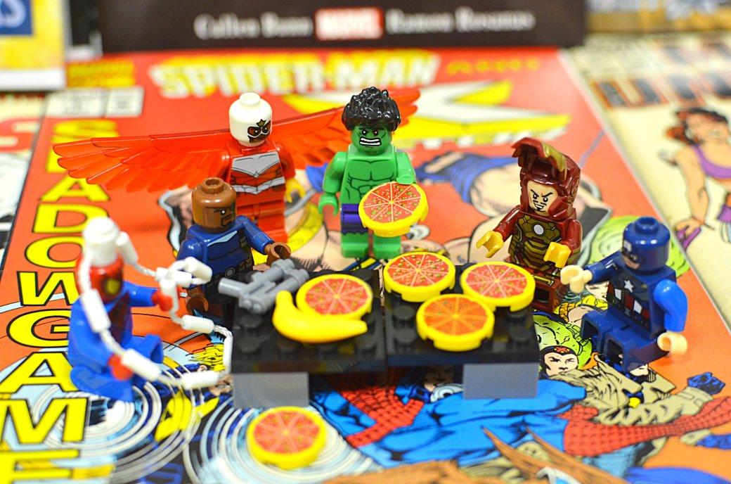 Топ-модель по-русски: «Канобу» устраивает фотосессию LEGO-супергероям | Канобу - Изображение 14