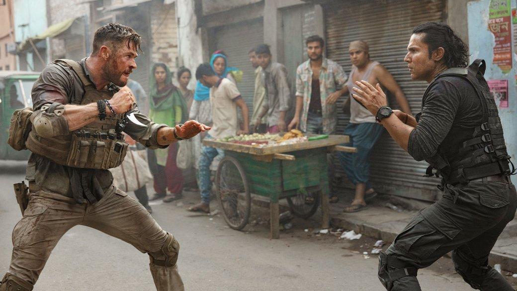 Рецензия на«Тайлер Рейк: Операция поспасению»— зрелищный боевик cКрисом Хемсвортом