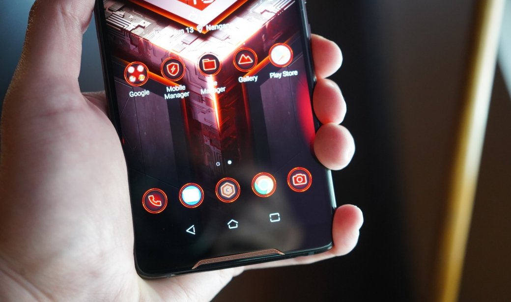 Раскрыта точная дата анонса и цена игрового смартфона Asus ROG Phone 2 | Канобу - Изображение 1
