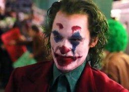 Образ Джокера изфильма сХоакином Фениксом, возможно, основан наконцепте кфильму Нолана