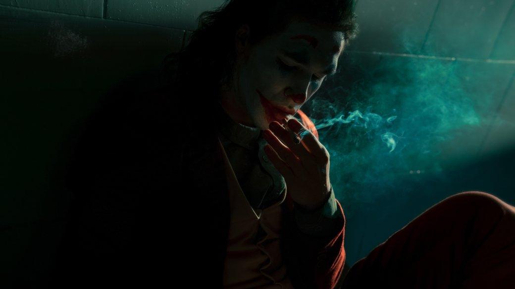 Безумный и грустный Джокер пляшет в новом косплее | Канобу - Изображение 8059
